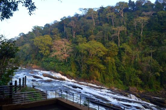 Vazhachal waterfalls beautiful tourist destination in Kerala