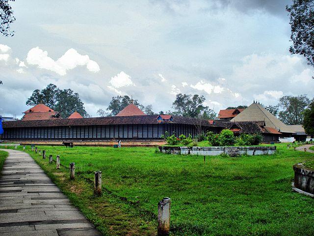 Vadakkumnathan Temple Koothambalam