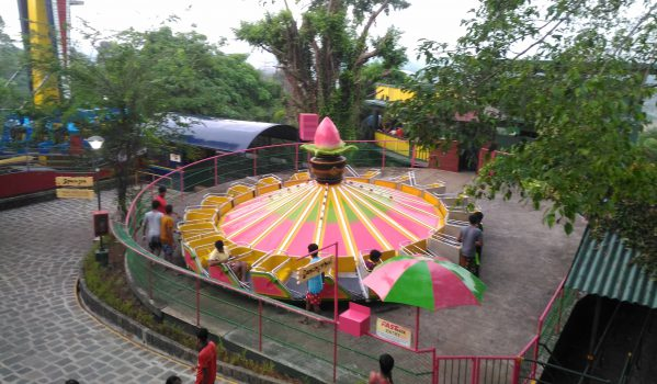 Dancing wheel ride at Wonderla Kochi